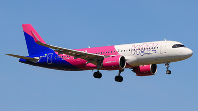 A picture of HALJC - Airbus A320271N - Wizz Air - © Pampillonia Francesco - Plane Spotters Bari