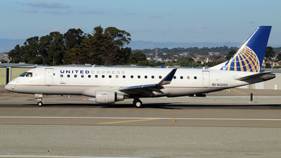 A picture of N121SY - Embraer E175LR - United Airlines - © Malik Bossett