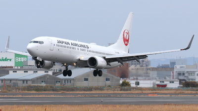 A picture of JA346J - Boeing 737846 - Japan Airlines - © Tokubee