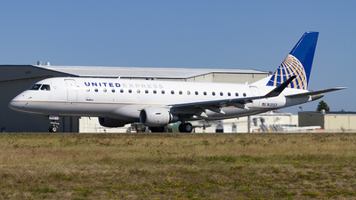 A picture of N131SY - Embraer E175LR - United Airlines - © Giuseppe Battioli