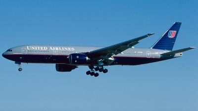 N779UA - Boeing 777-222 - United Airlines