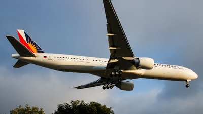RP-C7779 - Boeing 777-3F6ER - Philippine Airlines