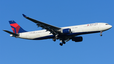 A picture of N805NW - Airbus A330323 - Delta Air Lines - © Luca Cesati