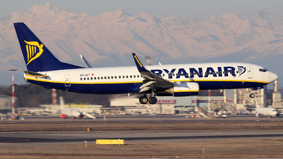 A picture of 9HQAT - Boeing 7378AS - Ryanair - © Alberto Cucini