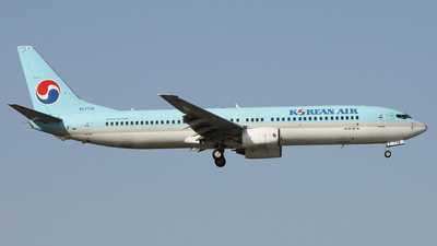 A picture of HL7718 - Boeing 7379B5 - Korean Air - © REDSOX