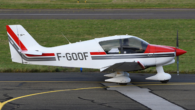 F-GOOF - Robin DR400/140B Major - Private