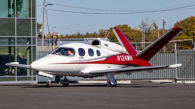 N124MR - Cirrus Vision SF50 - Private