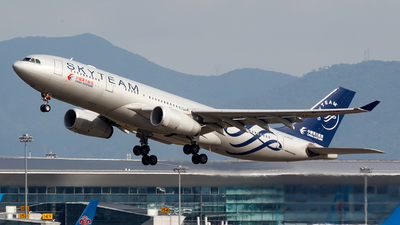 B-6538 - Airbus A330-243 - China Eastern Airlines