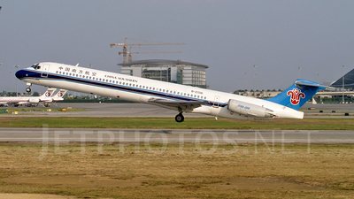 B-2136 - McDonnell Douglas MD-82 - China Southern Airlines