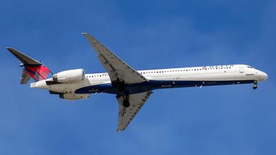 N965DN - McDonnell Douglas MD-90-30 - Delta Air Lines