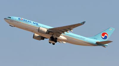 A picture of HL7539 - Airbus A330223 - Korean Air - © Sergey R
