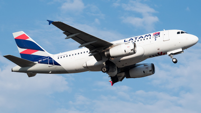 HC-CPY - Airbus A319-132 - LATAM Airlines