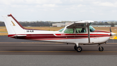 A picture of VHKJR - Cessna 172N Skyhawk - [17273529] - © Will PH