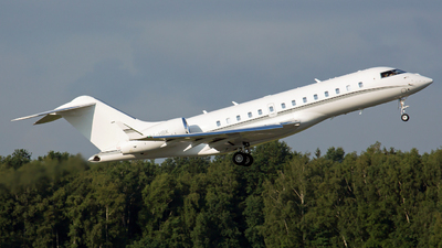 P4-HBK - Bombardier BD-700-1A11 Global 5000 - Private