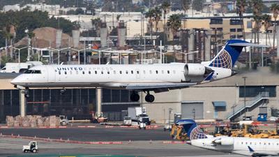 N780SK - Bombardier CRJ-701ER - United Express (SkyWest Airlines)
