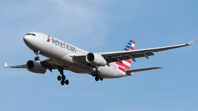 N285AY - Airbus A330-243 - American Airlines