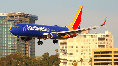 N8677A - Boeing 737-8H4 - Southwest Airlines