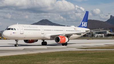 A picture of OYKBE - Airbus A321232 - SAS - © David Schilcher