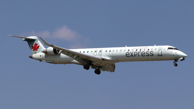 A picture of CFUJZ - Mitsubishi CRJ900LR - Air Canada - © Guy Langlois