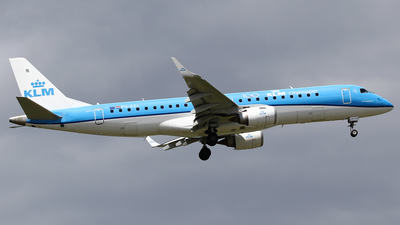 A picture of PHEZL - Embraer E190STD - KLM - © Jeroen Stroes