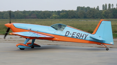 D-ESHY - Extra 330SC - Private