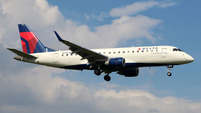 A picture of N208JQ - Embraer E175LR - Delta Air Lines - © wangruoyao