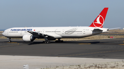 TC-LJB - Boeing 777-3F2ER - Turkish Airlines