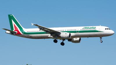 EI-IXZ - Airbus A321-112 - Alitalia