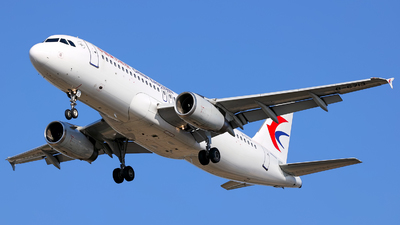 A picture of B6713 - Airbus A320232 - China Eastern Airlines - © Stefano R