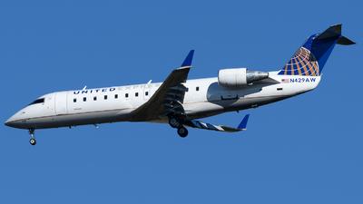 A picture of N429AW - Mitsubishi CRJ200LR - United Airlines - © Matt Lino