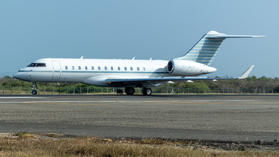 T7-MCB - Bombardier BD-700-1A10 Global Express XRS - Avcon Jet