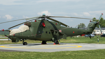 457 - Mil Mi-24D Hind D - Poland - Army