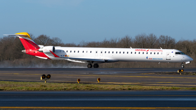 A picture of ECMJP - Mitsubishi CRJ1000 - Iberia - © Alexandre Raineau