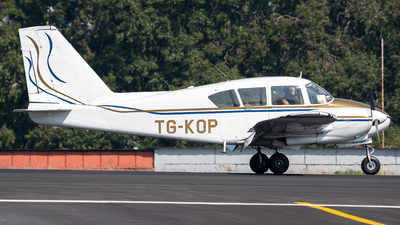 TG-KOP - Piper PA-23-235 Apache - Private