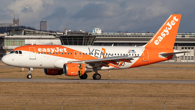 A picture of OELKF - Airbus A319111 - easyJet - © Niklas Engel