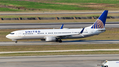 A picture of N67845 - Boeing 737924(ER) - United Airlines - © Rocky Wang