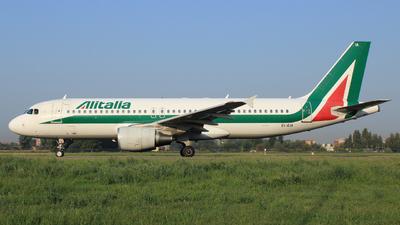 A picture of EIEIA - Airbus A320216 - Alitalia - © Carlo Luigi Tamiazzo
