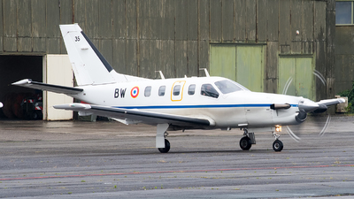 35 - Socata TBM-700 - France - Air Force