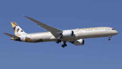 A picture of A6BME - Boeing 78710 Dreamliner - Etihad Airways - © Tom Lau