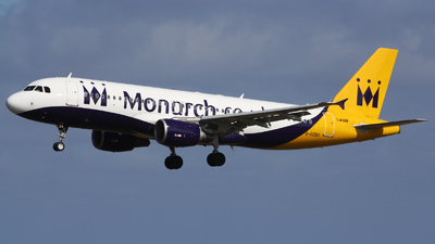 G-OZBX - Airbus A320-214 - Monarch Airlines