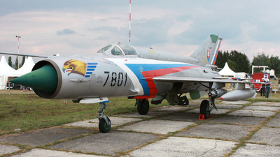 7801 - Mikoyan-Gurevich Mig-21 Fishbed - Slovakia - Air Force