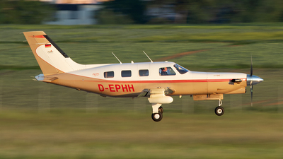 D-EPHH - Piper PA-46-350P Malibu Mirage - Private