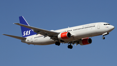 LN-RCZ - Boeing 737-883 - Scandinavian Airlines (SAS)