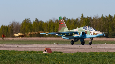 84 - Sukhoi Su-25UB Frogfoot - Belarus - Air Force