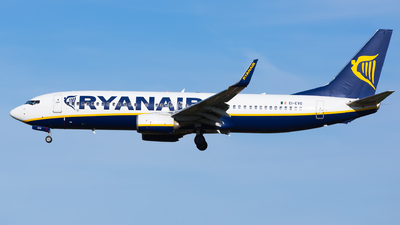 A picture of EIEVG - Boeing 7378AS - Ryanair - © Kris Van Craenenbroeck