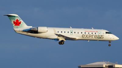 C-GKER - Bombardier CRJ-200LR - Air Canada Express (Jazz Aviation)