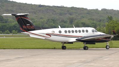 N592AE - Beechcraft B300 King Air 350 - Private