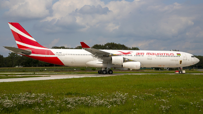 A picture of 3BNBD - Airbus A340313 - [0194] - © Bjorn van der Velpen