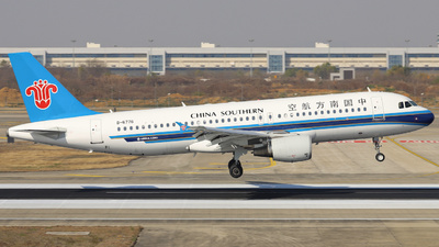 A picture of B6776 - Airbus A320214 - China Southern Airlines - © Fang Xiaoyu
