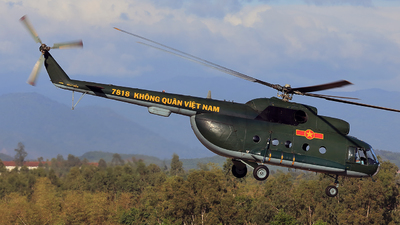 7818 - Mil Mi-8 Hip - Vietnam - Air Force